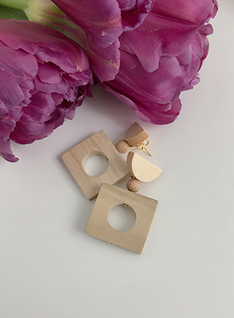 Wooden square earrings 패션쇼핑몰 모스빈(Mossbean)